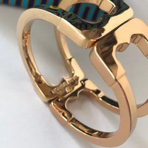 Tory Burch Jewelry - Like new Tory Burch bracelet